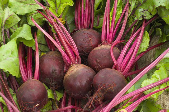 красный овощ