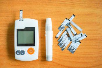 прибор, шприц-ручка, тест-полоски