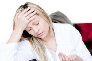 головные боли у девушки